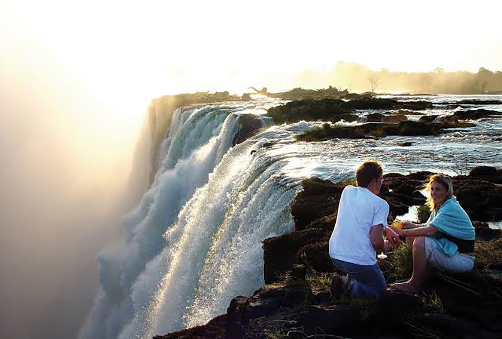 honeymoon couple victoria falls